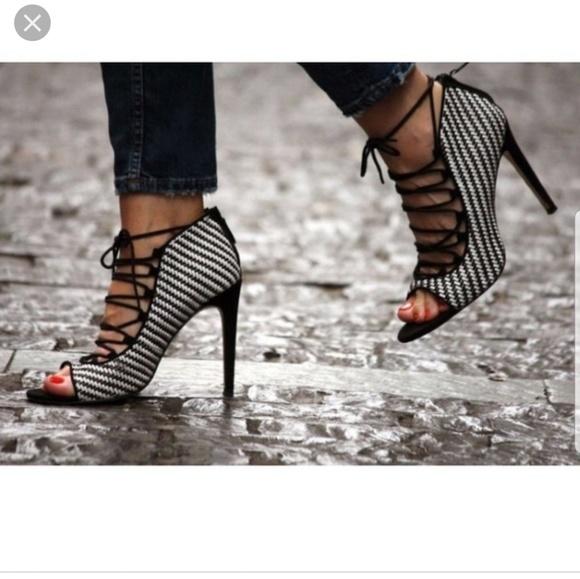 746223a9eb2 Zara black and white checkered heel